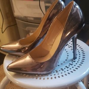 New size 8 1/2 Rose gold color